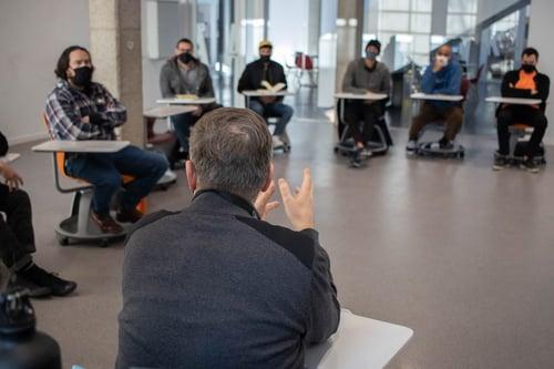 Alumnos del Culinary Institute en una sesión teórica